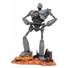 Figura iron giant superman en jarras sobre un diorama diamond gallery